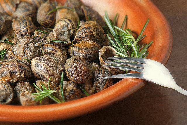 Csiga bulgurral - krétai ételek